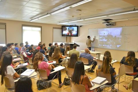 innovation-lecture-aksob-sept19-3.jpg